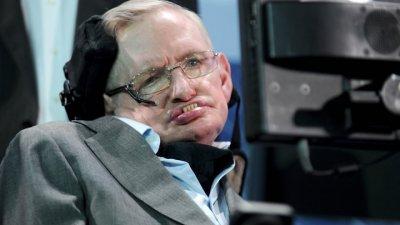 Откриха какво причинява болестта на Стивън Хокинг
