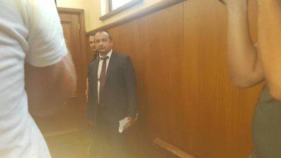Хакерът Кристиян се появи в съда заради шефа си