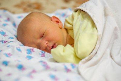 """Изследват безплатно новородените за жълтеница в """"Майчин дом"""""""
