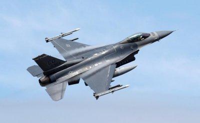 И Словакия купува F-16 - 14 самолета за $800 млн.