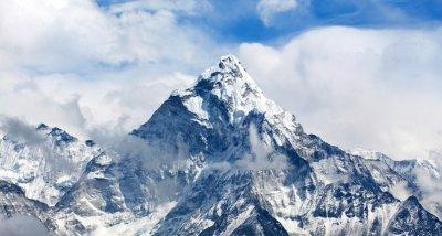 $35 000 такса за изкачване на Еверест