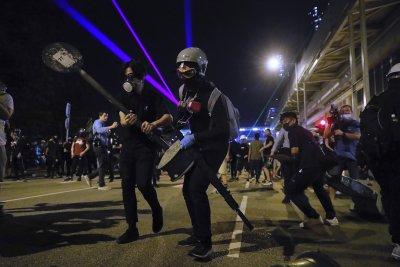И учениците се включиха в протестите в Хонконг, студентите готвят стачка
