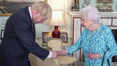 Борис Джонсън иска кралицата да прекрати работата на парламента