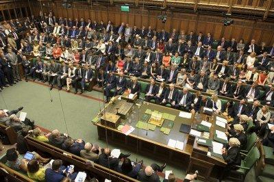 Заваляха оставки в британския парламент заради Борис Джонсън