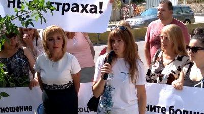 Първо в Lupa.bg: Уволнената медсестра Мая Илиева застава зад Манолова