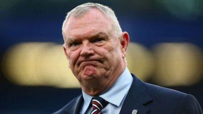 Шефът на английския футбол: Скъпи Боби, нека заедно да преборим разисма