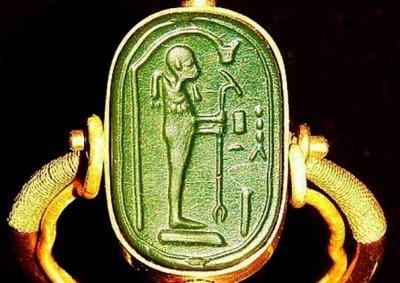 Тутанкамон имал извънземен пръстен