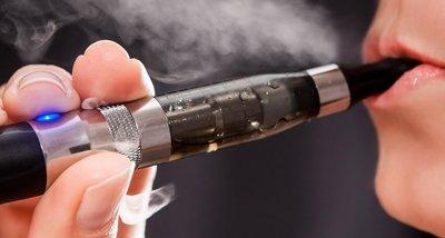 Индийските власти забраниха електронните цигари
