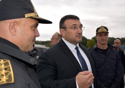 Министър Маринов: Полфрийман има две забрани да напуска България