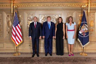 Румен Радев и Деси се щракнаха с Доналд и Мелания Тръмп