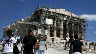 """Гърция губи 2,5 млрд. евро от краха на """"Томас Кук"""""""