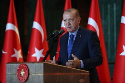 Ердоган: Не смятаме безкрайно да бъдем домакин на милиони бежанци