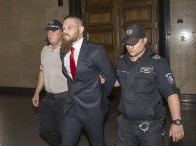 Съдът: Джок Полфрийман може да напуска страната