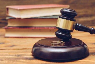 Любовник плати обезщетение на измамен съпруг