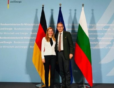 Похвалиха Ангелкова в Германия за Томас Кук