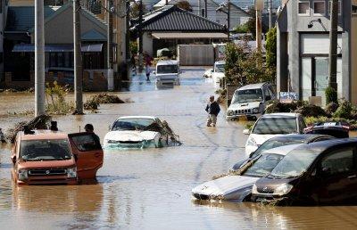 Ад! Мощният тайфун Хагибис взе жертви в Япония (СНИМКИ)