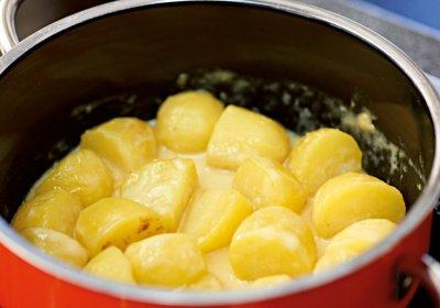 Лимонени картофи със сметана