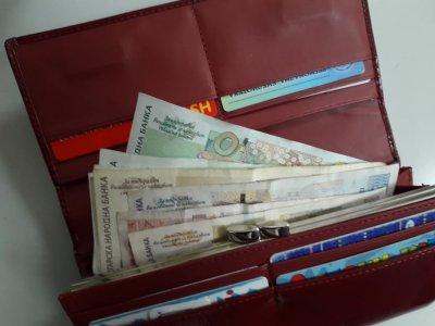 Официално: 18 000 българи изкарват над 9 бона месечно
