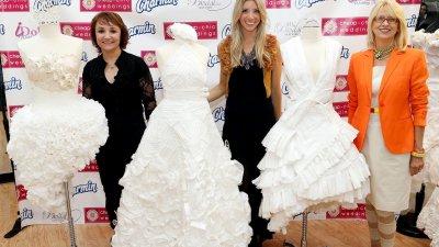 Американка спечели световния конкурс за булчински рокли от тоалетна хартия