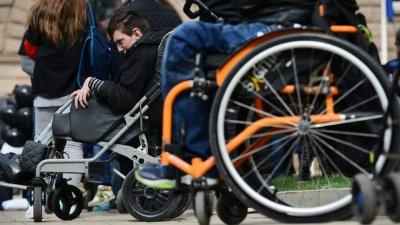 11 800 лица са увреждания са започнали работа през 2019 г.