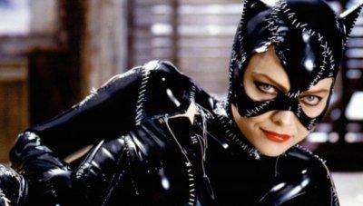 Мишел Пфайфър предупреди новата Жена - котка: Трудно ще пишкаш с костюма