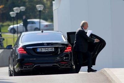 Спас Русев се изниза тихомълком от заседанието на БФС