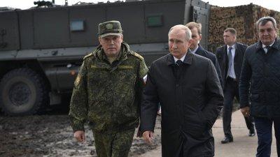 Путин ръководи военни учения