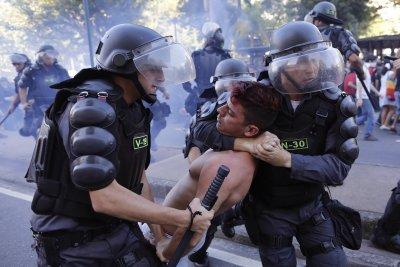 Екшън в Бразилия: Полицията уби трима крадци на летище