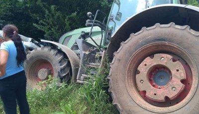 Мъж загина в катастрофа с трактор без светлини