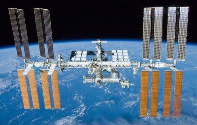 Счупен чайник събра руснаци и американци в Космоса