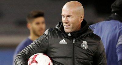 Зинедин Зидан остава в Реал Мадрид