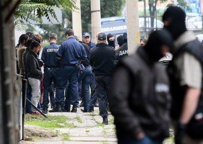 ДАНС и МВР удариха изборните туристи