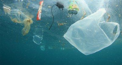 """Учени тръгнаха по следите на """"изгубена пластмаса"""" в океаните"""