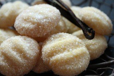 Въздушни ванилови бисквитки