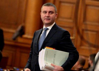 Горанов: Предложението за болничния е в пакет, мотивирали сме го