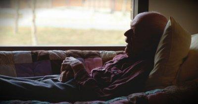 ИЗРОДИ! Държат старец 3 дни без вода, за да му вземат апартамента
