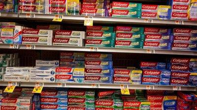 Исландия забрани кутиите за паста за зъби