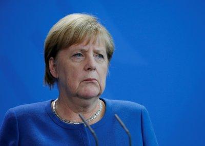 "Ангела Меркел влиза в ""Аушвиц"""