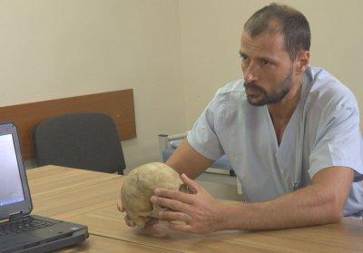 Хирургът, извадил 1-килограмовия тумор: Оперирах Железния човек