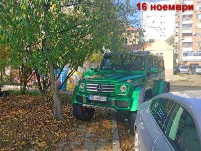 Вижте как паркира джипа си за 300 бона в Бургас дружка на Жоро Троянеца