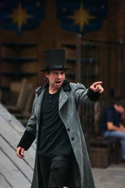 """Хитовият мюзикъл """"Клетниците"""" с премиера в Софийската опера"""