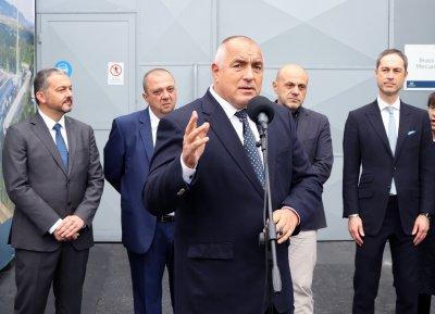 Борисов: Ананиев да уволни всички директори заради починалото 3-годишно