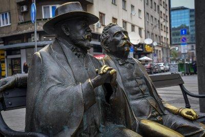 Фандъкова поръча нов бастун за Пенчо Славейков
