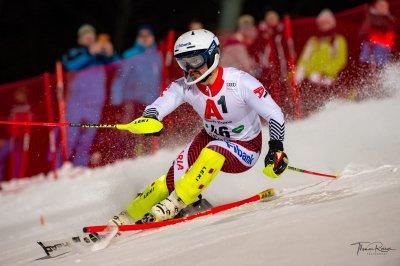 Алберт Попов с отлични шансове в първия слалом за сезона