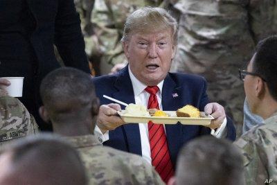 Тръмп прекара Деня на благодарността в Афганистан (СНИМКИ)