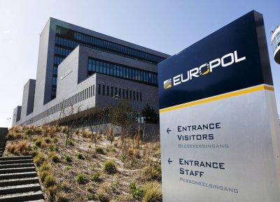 Европол удари над 30 000 пиратски сайта и ТВ мрежи