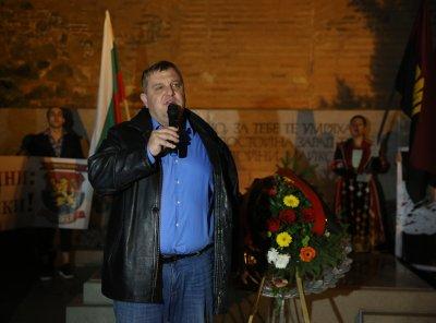 Каракачанов: Една държава съществува, докато има боеспособна армия