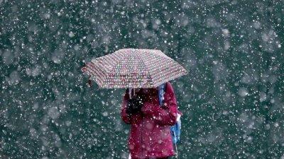 В събота иде още дъжд, по планините - сняг