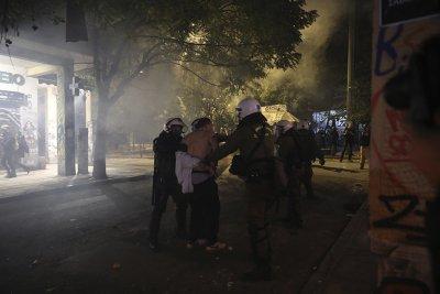 Серия нападения срещу бизнес сгради са извършени в Атина
