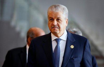В Алжир осъдиха експремиери за корупция